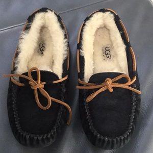 UGG woman's size 5 slipper